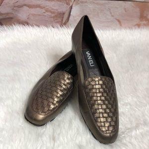Van Eli woman Flat shoes size 7.5N